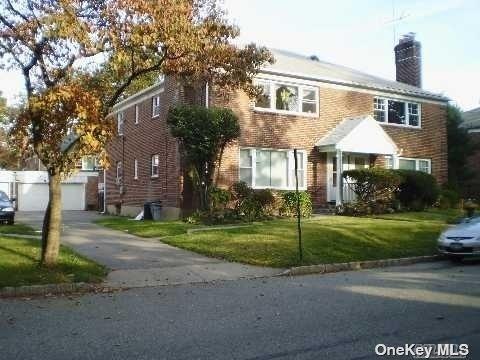2 Bedrooms, Thomaston Rental in Long Island, NY for $3,000 - Photo 1
