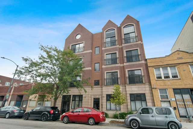 3 Bedrooms, Irving Park Rental in Chicago, IL for $2,700 - Photo 1