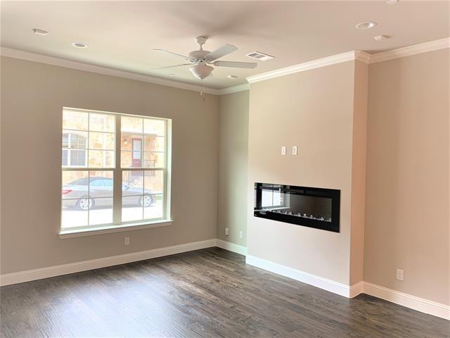 3 Bedrooms, Carrollton Rental in Dallas for $2,500 - Photo 1