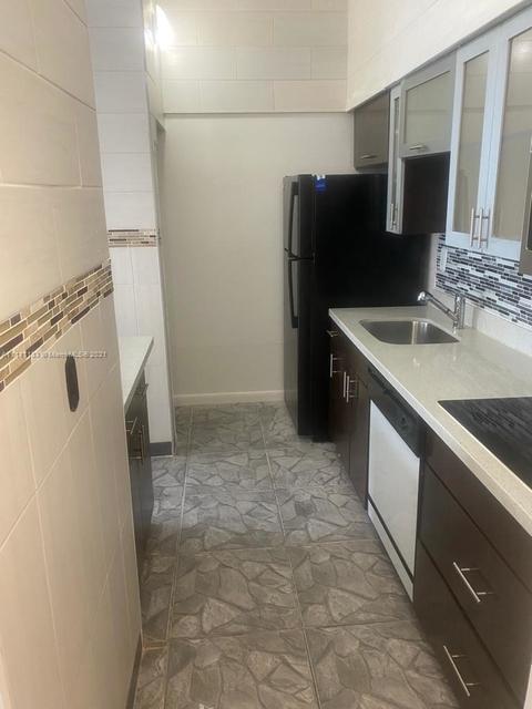 2 Bedrooms, Hialeah Rental in Miami, FL for $1,850 - Photo 1
