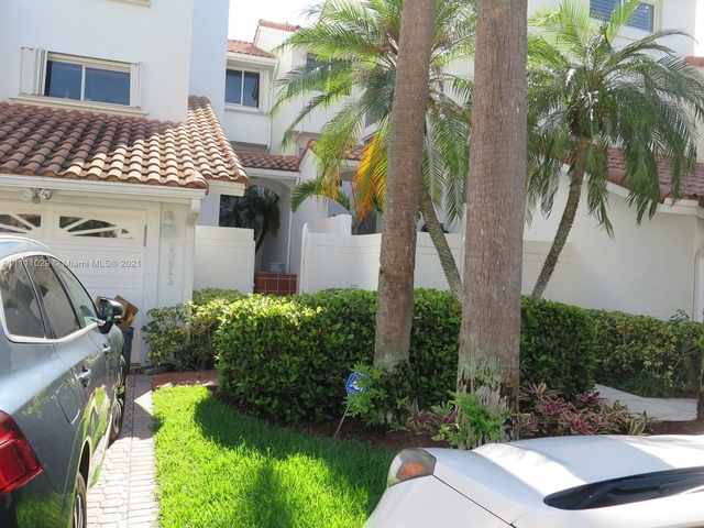 4 Bedrooms, Golden Pointe Rental in Miami, FL for $8,500 - Photo 1