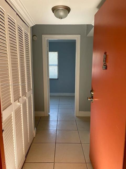 2 Bedrooms, Miramar Club Condominiums Rental in Miami, FL for $1,650 - Photo 1