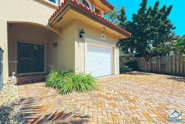 3 Bedrooms, Northeast Coconut Grove Rental in Miami, FL for $5,500 - Photo 1