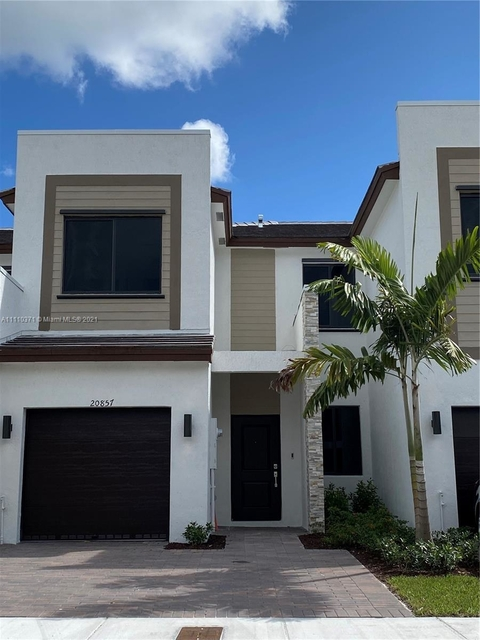 3 Bedrooms, Highland Manor Rental in Miami, FL for $3,800 - Photo 1