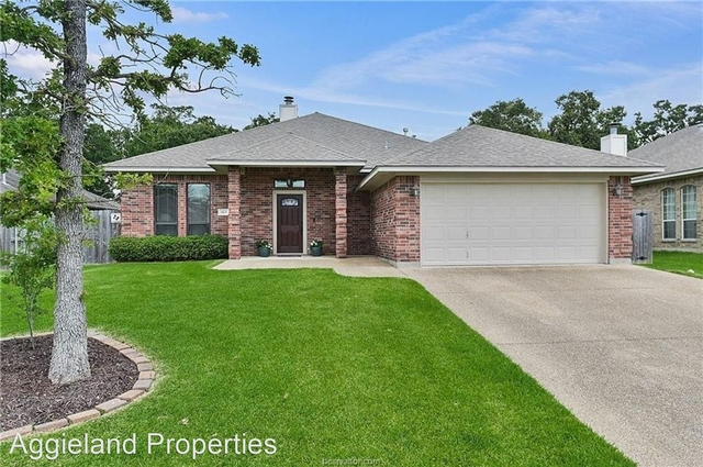 4 Bedrooms, South Brazos Rental in Bryan-College Station Metro Area, TX for $2,200 - Photo 1