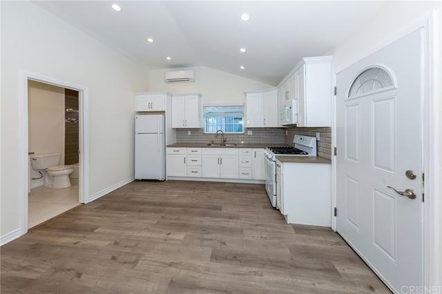 1 Bedroom, Woodland Hills-Warner Center Rental in Los Angeles, CA for $2,400 - Photo 1