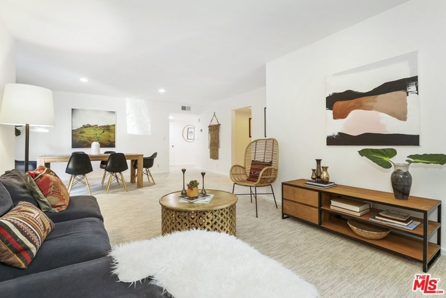 2 Bedrooms, Hollywood Hills West Rental in Los Angeles, CA for $3,100 - Photo 1