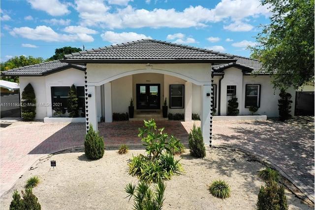 4 Bedrooms, Vanderbilt Park Rental in Miami, FL for $9,500 - Photo 1