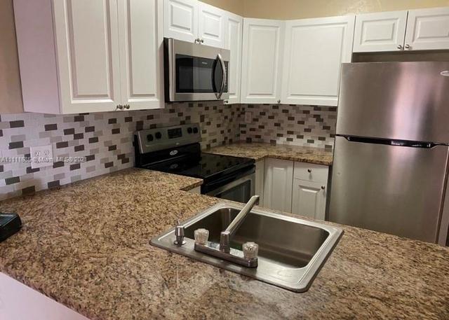 1 Bedroom, Cypress Village Apts Rental in Miami, FL for $1,475 - Photo 1
