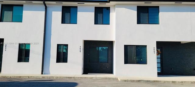 3 Bedrooms, Miami Gardens Rental in Miami, FL for $2,150 - Photo 1