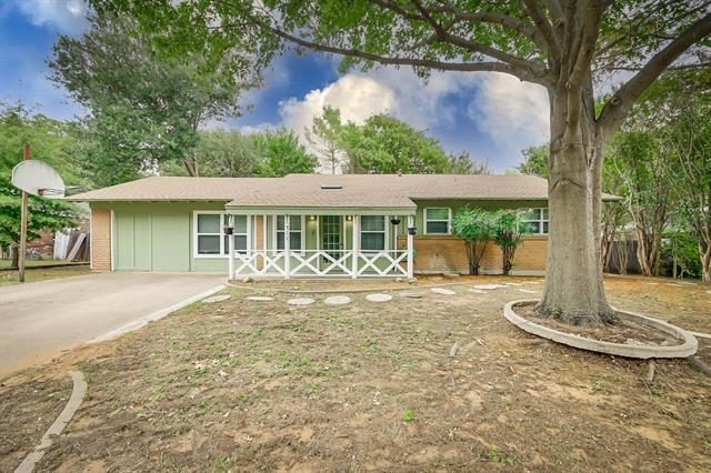 4 Bedrooms, Harris Heights Arlington Rental in Dallas for $1,900 - Photo 1