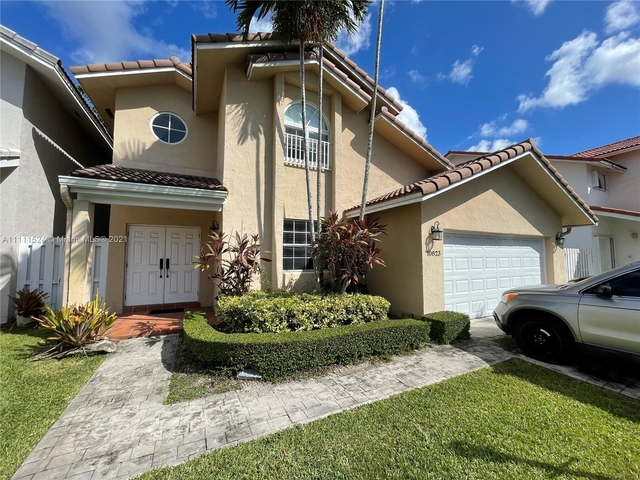 4 Bedrooms, Kendall Grove Cluster Homes Rental in Miami, FL for $4,000 - Photo 1