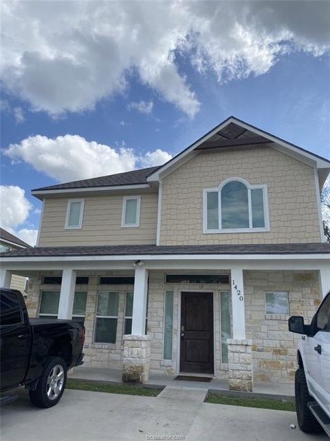 5 Bedrooms, Holleman - Dobrovolny Rental in Bryan-College Station Metro Area, TX for $3,200 - Photo 1