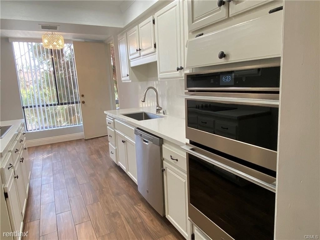 2 Bedrooms, Miracle Mile Rental in Los Angeles, CA for $3,350 - Photo 1