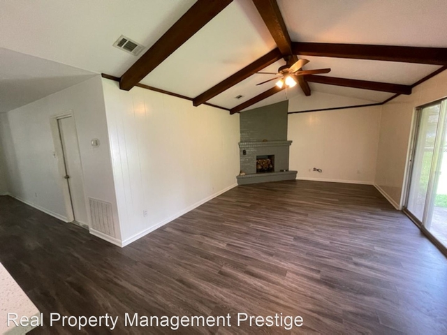 3 Bedrooms, Highland Terrace Rental in Houston for $1,950 - Photo 1
