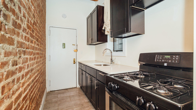 2 Bedrooms, Crown Heights Rental in NYC for $2,520 - Photo 1