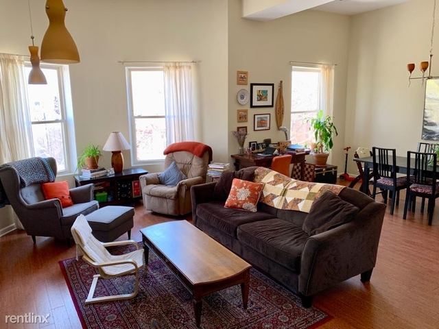 2 Bedrooms, Hyde Park Rental in Chicago, IL for $2,000 - Photo 1