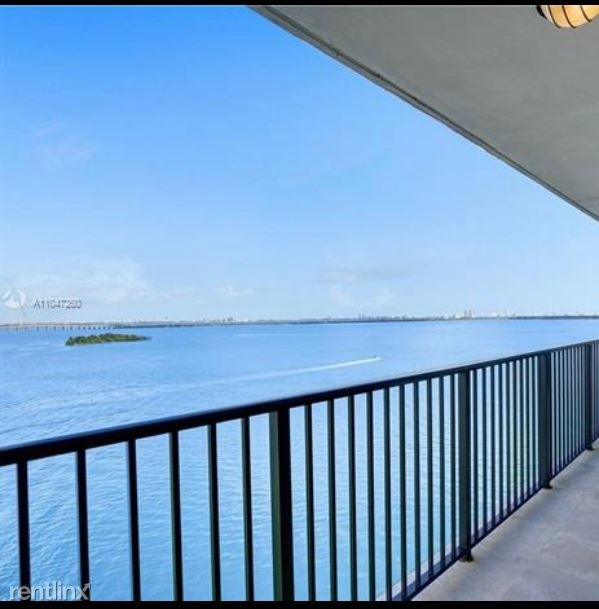 2 Bedrooms, Biscayne Island Rental in Miami, FL for $4,000 - Photo 1