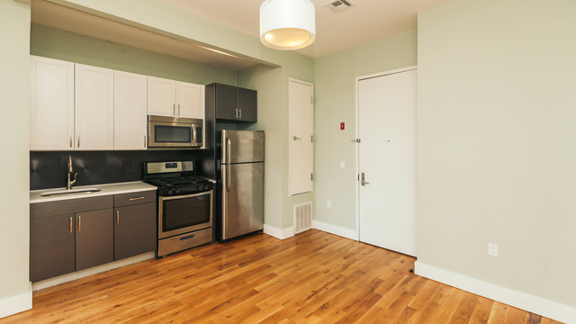 3 Bedrooms, Bedford-Stuyvesant Rental in NYC for $2,695 - Photo 1