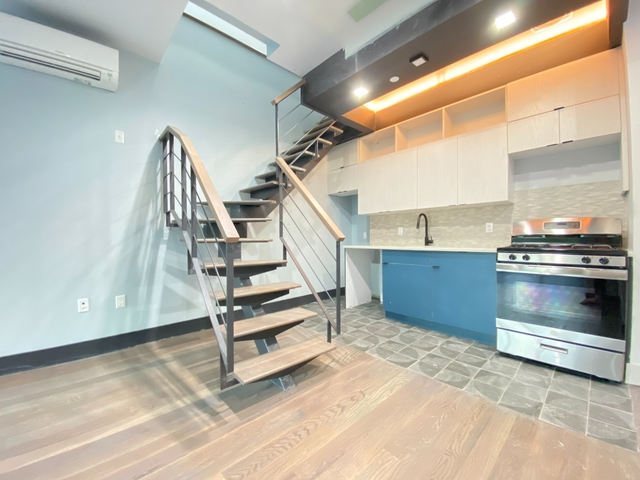 3 Bedrooms, Williamsburg Rental in NYC for $7,220 - Photo 1