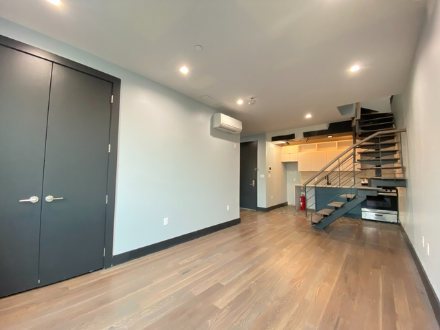 3 Bedrooms, Williamsburg Rental in NYC for $6,460 - Photo 1