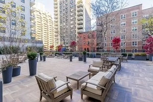1 Bedroom, Yorkville Rental in NYC for $4,300 - Photo 1