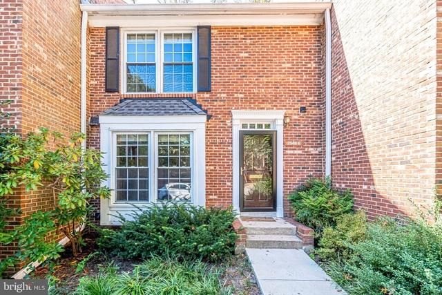 3 Bedrooms, Fairlington - Shirlington Rental in Washington, DC for $3,100 - Photo 1