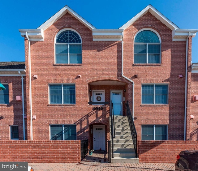 2 Bedrooms, East Falls Church Rental in Washington, DC for $2,500 - Photo 1