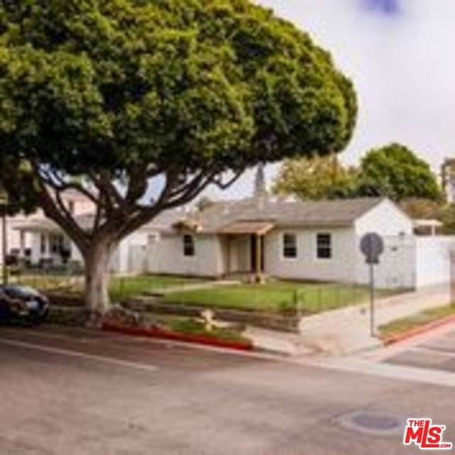 2 Bedrooms, Sunset Park Rental in Los Angeles, CA for $6,200 - Photo 1