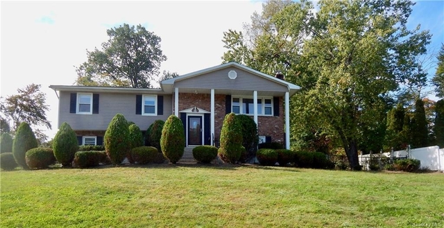 5 Bedrooms, Clarkstown Rental in Mount Pleasant, NY for $4,500 - Photo 1