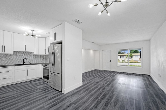 4 Bedrooms, High House Rental in Miami, FL for $3,000 - Photo 1