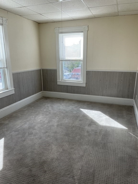 2 Bedrooms, Brockton Rental in  for $1,500 - Photo 1
