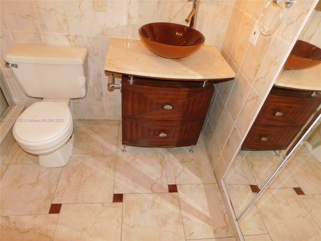 2 Bedrooms, Kendall Rental in Miami, FL for $1,800 - Photo 1