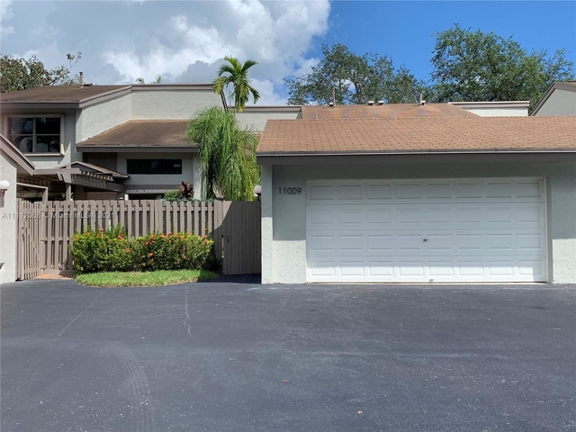 2 Bedrooms, Sabal Chase Rental in Miami, FL for $2,500 - Photo 1
