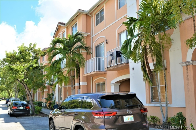 2 Bedrooms, Shoma at Country Club of Miami Rental in Miami, FL for $1,800 - Photo 1