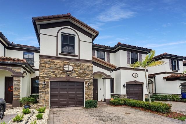 4 Bedrooms, Century Gardens Rental in Miami, FL for $2,950 - Photo 1