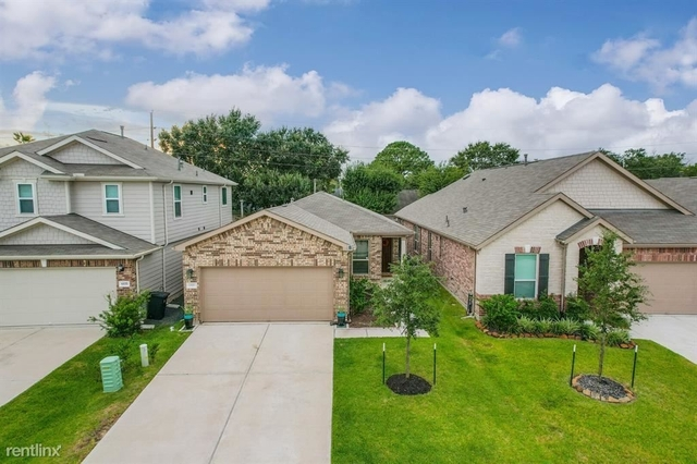 3 Bedrooms, Jamestown Colony Rental in Houston for $2,250 - Photo 1