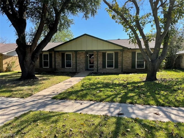 3 Bedrooms, Woods-Sugarberry Rental in Dallas for $1,930 - Photo 1