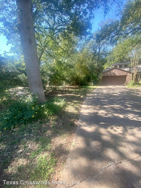 3 Bedrooms, Westwood Estates Rental in Bryan-College Station Metro Area, TX for $2,000 - Photo 1