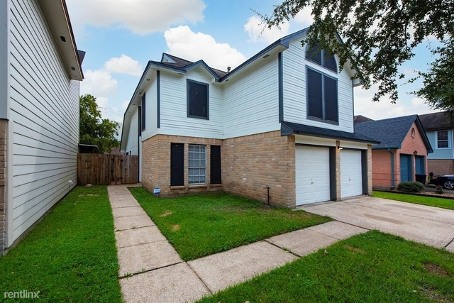 4 Bedrooms, Briarcreek Rental in Houston for $2,150 - Photo 1