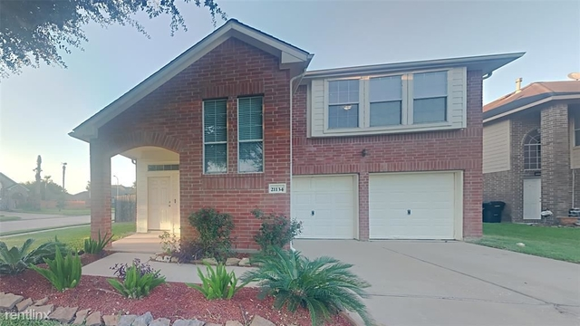 3 Bedrooms, Villages of Bear Creek Rental in Houston for $2,520 - Photo 1