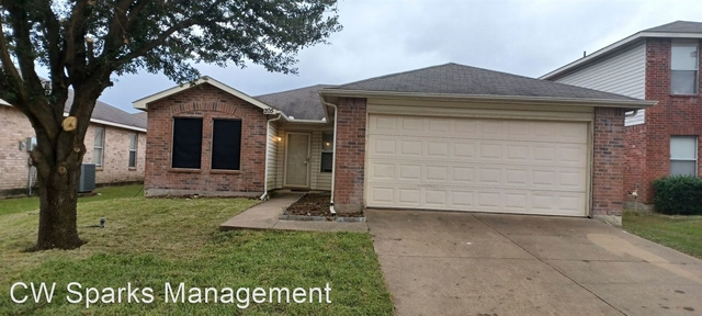3 Bedrooms, Idlewyld Place Rental in Dallas for $1,830 - Photo 1
