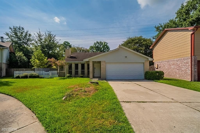 4 Bedrooms, Foxwood Rental in Houston for $2,100 - Photo 1