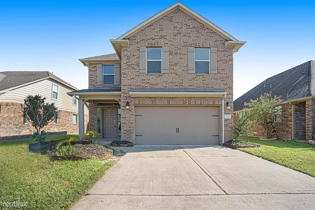 3 Bedrooms, Alvin-Pearland Rental in Houston for $2,820 - Photo 1
