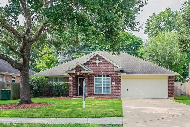 3 Bedrooms, Alvin-Pearland Rental in Houston for $2,660 - Photo 1