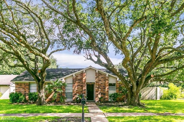 3 Bedrooms, Alvin-Pearland Rental in Houston for $2,350 - Photo 1