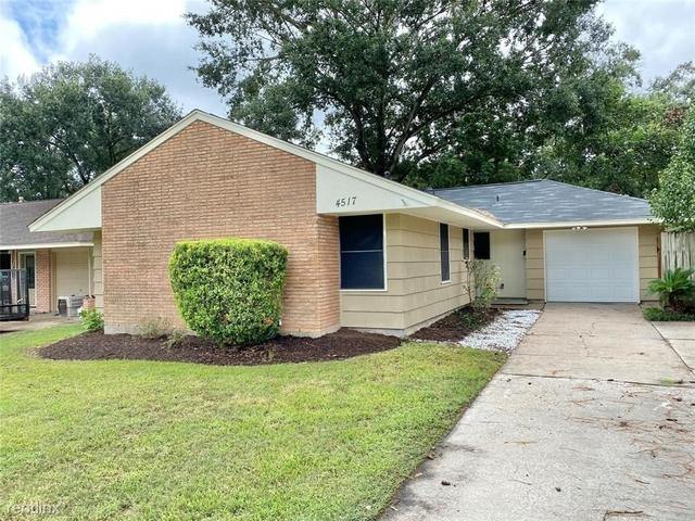 3 Bedrooms, Oak Forest Rental in Houston for $2,680 - Photo 1