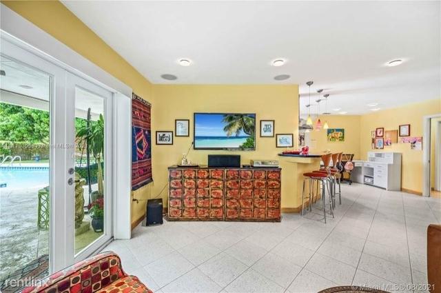 3 Bedrooms, Royal Palm Harbor Rental in Miami, FL for $6,000 - Photo 1