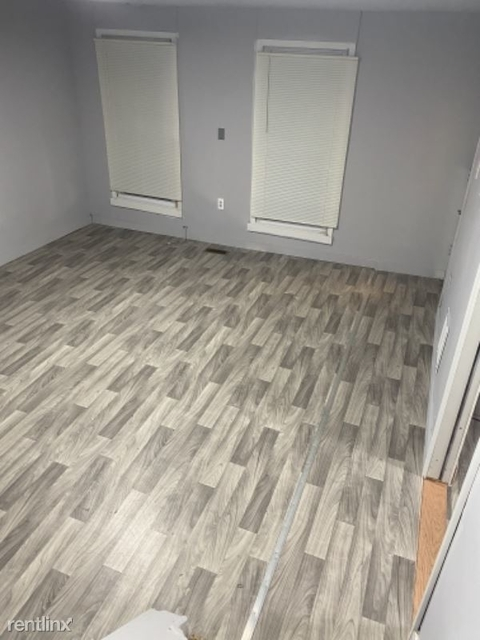 5 Bedrooms, Arlington Rental in Baltimore, MD for $600 - Photo 1