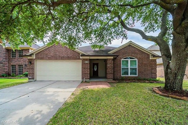 4 Bedrooms, Atascocita Timbers Rental in Houston for $2,360 - Photo 1